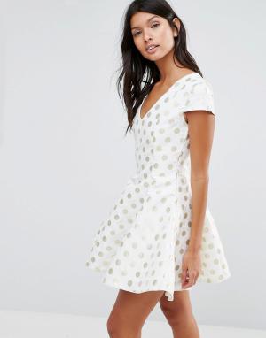 Pixie & Diamond Платье в горошек. Цвет: кремовый