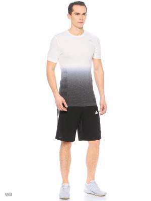 Футболка спортивная Adidas. Цвет: молочный, черный