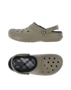 Домашние туфли CROCS. Цвет: хаки