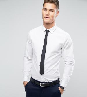 ASOS Белая зауженная рубашка с черным галстуком , СКИДКА. Цвет: белый