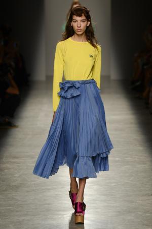 Плиссированная юбка Rochas. Цвет: синий