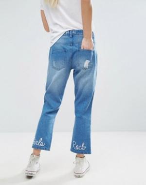 Daisy Street Укороченные джинсы с рваной отделкой и вышитой надписью Girls Rock Dai. Цвет: синий