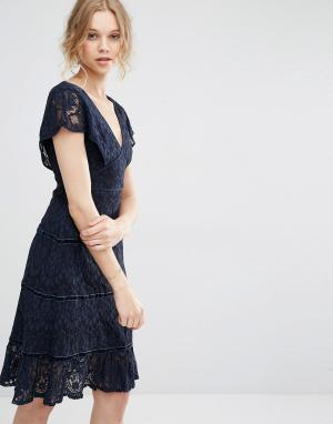 Foxiedox Кружевное платье миди с глубоким V-образным вырезом. Цвет: темно-синий