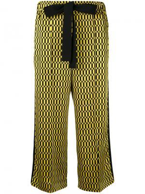 Укороченные брюки с геометрическим принтом Fendi. Цвет: жёлтый и оранжевый