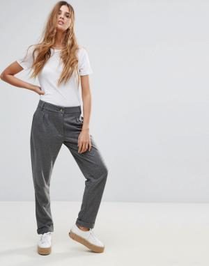 Neon Rose Фактурные брюки. Цвет: серый