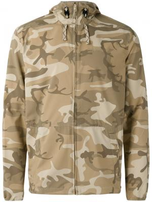 Камуфляжная куртка с капюшоном Patagonia. Цвет: зелёный