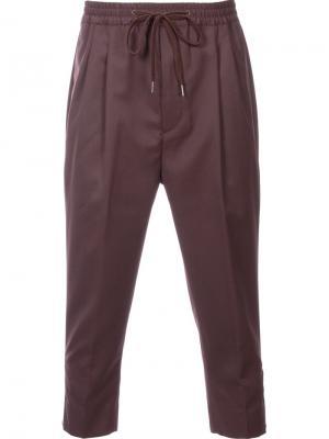 Укороченные брюки monkey time. Цвет: коричневый