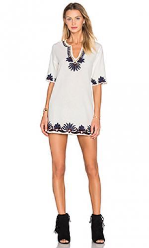 Платье-футляр hena PIPER. Цвет: белый