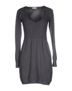 Короткое платье CASHMERE COMPANY. Цвет: свинцово-серый
