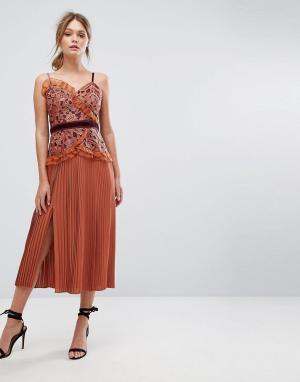 Three Floor Платье миди с кружевом и плиссированной юбкой. Цвет: оранжевый