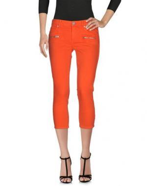 Джинсовые брюки-капри TRUE RELIGION. Цвет: коралловый