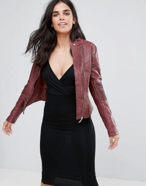 Pussycat London Байкерская куртка из искусственной кожи с вырезанным лазером узором Pu. Цвет: красный