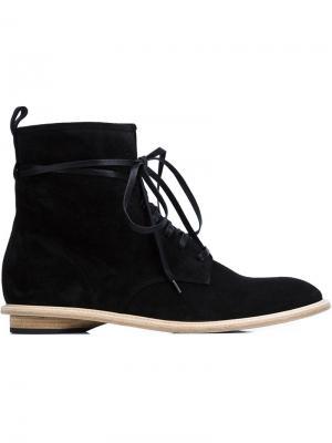 Ботинки на шнуровке Valas. Цвет: чёрный