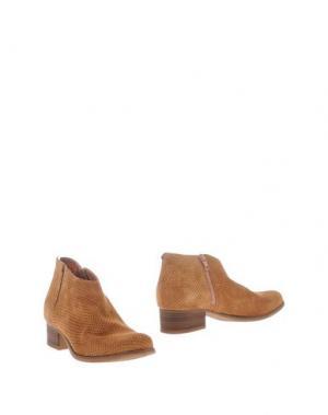Полусапоги и высокие ботинки CARMENS. Цвет: желто-коричневый