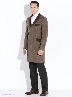Пальто VINCHI. Цвет: коричневый