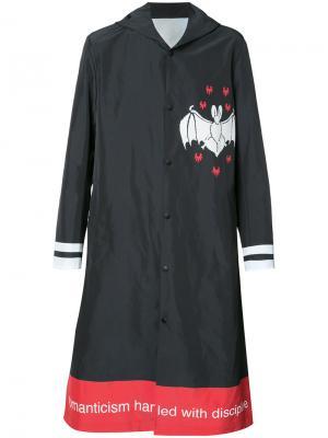 Пальто с принтом летучей мыши Undercover. Цвет: чёрный