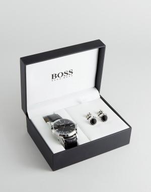 BOSS Подарочный набор с часами кожаным ремешком и запонками By Hugo. Цвет: черный