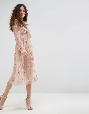 Needle & Thread Платье с завязкой, длинными рукавами и цветочной отделкой Thr. Цвет: розовый