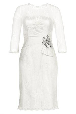 Платье Apart. Цвет: кремовый