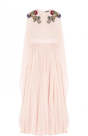 Шелковое платье-макси с кейпом и контрастной отделкой Alexander McQueen. Цвет: розовый