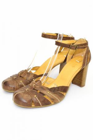 Туфли открытые Khrio. Цвет: светло-коричневый
