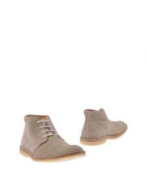 Полусапоги и высокие ботинки MARC JACOBS. Цвет: светло-серый