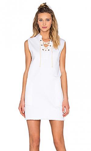 Джинсовое платье на шнуровке LACAUSA. Цвет: белый