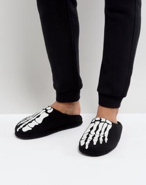 ASOS Черные тапочки со светящимся в темноте принтом скелета Halloween. Цвет: черный