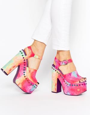 YRU Сандалии на платформе и каблуке с заклепками Daydream. Цвет: мульти