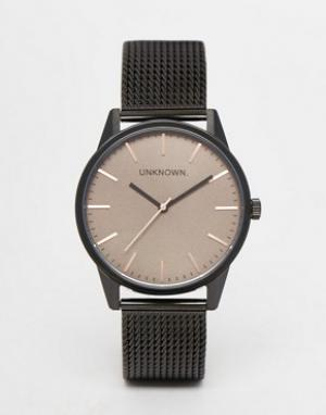 UNKNOWN Классические коричневые часы с сетчатым браслетом. Цвет: черный