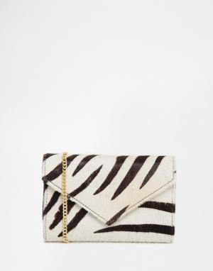 Becksondergaard Клатч-конверт в зебру. Цвет: белый
