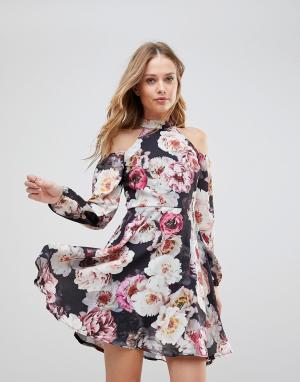 Jessica Wright Приталенное платье с цветочным принтом. Цвет: мульти
