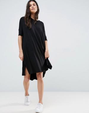 ASOS Свободное платье-футболка с асимметричным подолом. Цвет: черный