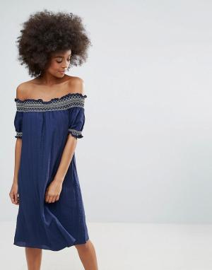 Darling Летнее платье-бандо c вышивкой. Цвет: синий