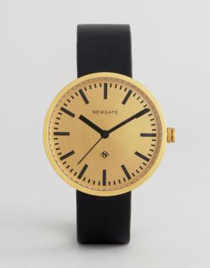 Newgate Часы с кожаным ремешком и золотистым циферблатом Drummer. Цвет: черный