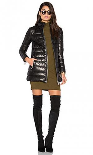 Кожаное стеганное пальто с меховой подкладкой DOMA. Цвет: черный