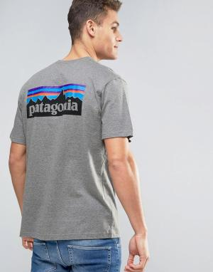 Patagonia Серая меланжевая футболка классического кроя с логотипом на спине Pata. Цвет: серый