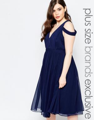 Forever Unique Plus Платье миди с глубоким вырезом и открытыми плечами. Цвет: темно-синий