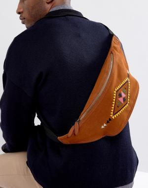 ASOS Сумка-кошелек на пояс из искусственной замши с ацтекской вышивкой. Цвет: коричневый
