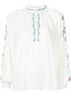 Блузка с цветочной вышивкой Vilshenko. Цвет: белый
