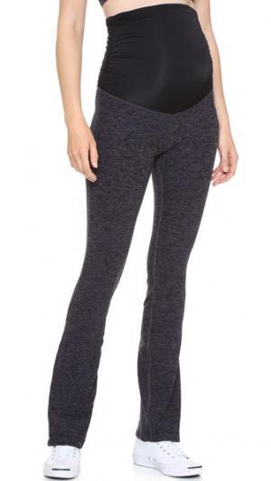 Спортивные брюки для беременных с размытым рисунком Beyond Yoga. Цвет: черный/стальной