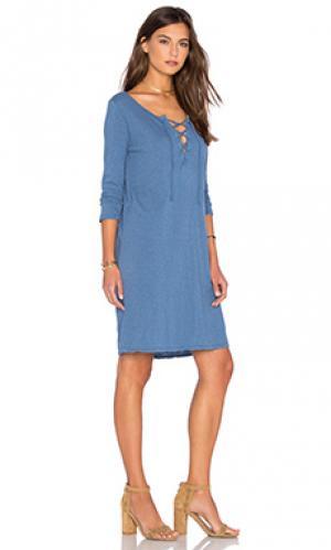 Платье cinderel Velvet by Graham & Spencer. Цвет: синий