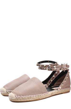 Кожаные эспадрильи Rockstud с ремешком на щиколотке Valentino. Цвет: бежевый