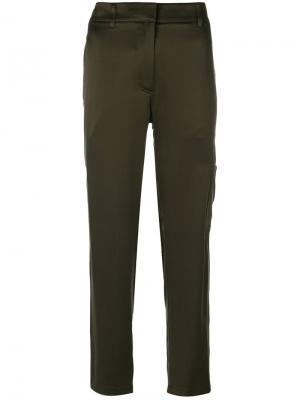 Укороченные прямые брюки Theory. Цвет: зелёный