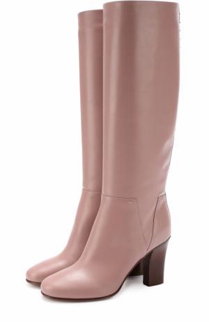 Кожаные сапоги Lovestud на устойчивом каблуке Valentino. Цвет: розовый