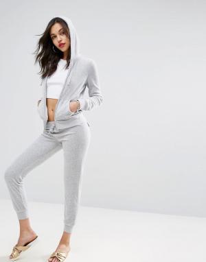 Juicy Couture Велюровые джоггеры скинни. Цвет: серый