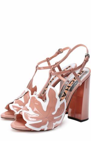 Лаковые босоножки с аппликацией на устойчивом каблуке Rochas. Цвет: темно-бежевый