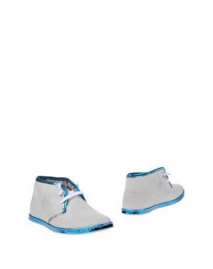 Полусапоги и высокие ботинки LE CROWN. Цвет: белый