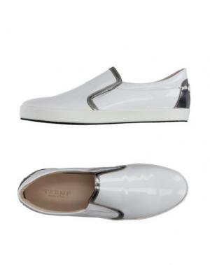 Низкие кеды и кроссовки TREMP. Цвет: белый