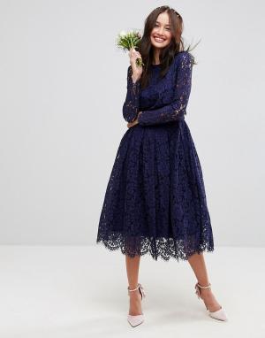 ASOS Кружевное платье миди для выпускного с длинными рукавами WEDDING. Цвет: темно-синий